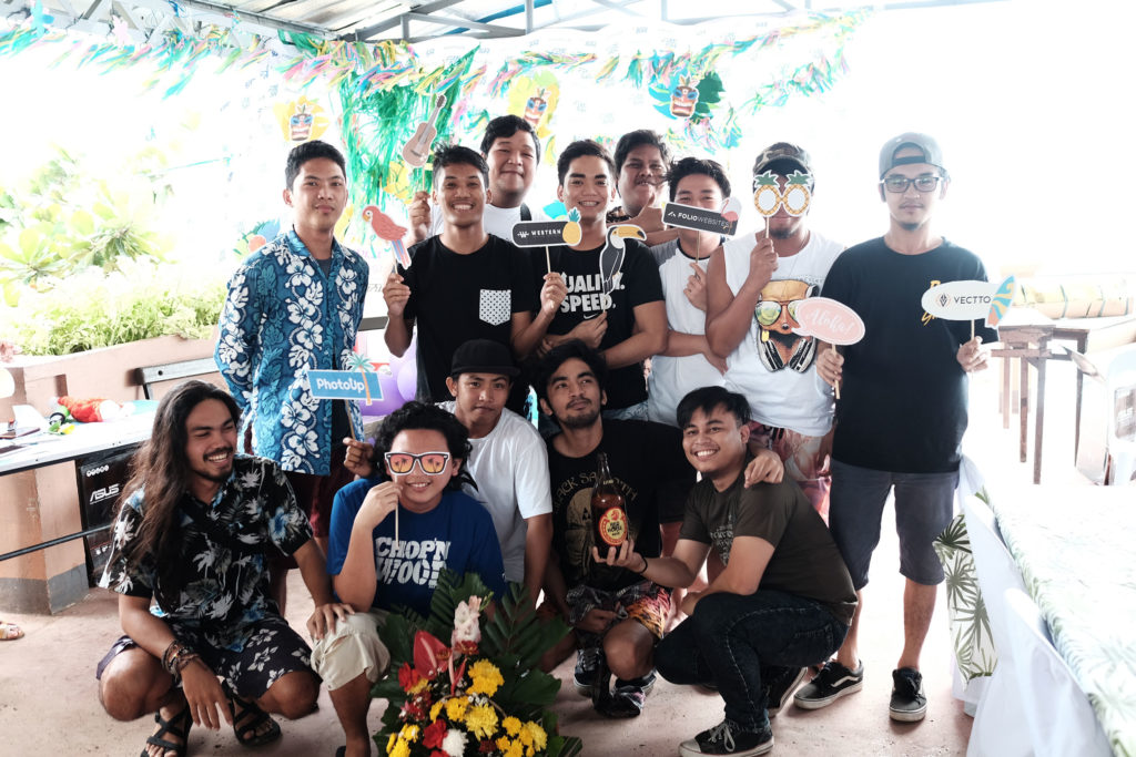 Cool guys of PhotoUp, Folio, and Vectto